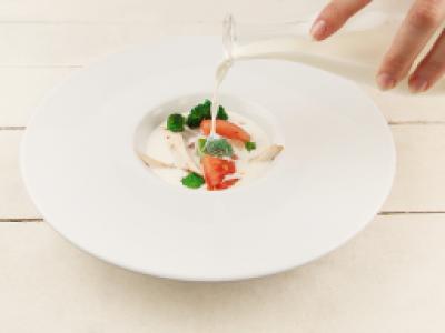 заказать: Первые блюда - Сырный суп с броколли и курицей